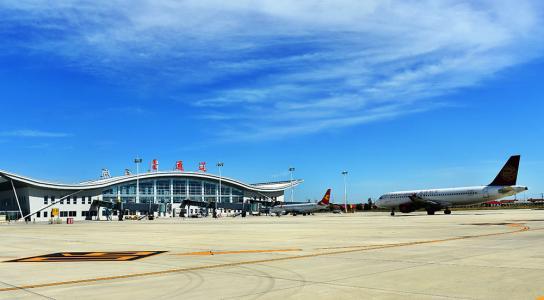 通遼機場飛行區改擴建項目主體工程正式投産
