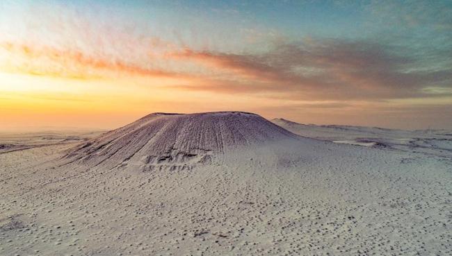 察哈爾火山群雪景如畫